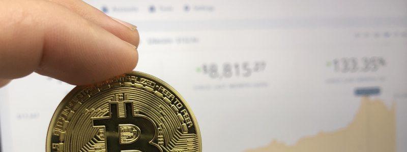 Efek Musim Liburan, Harga Bitcoin Turun Drastis